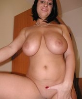 Short-haired and buxom brunette girlfriend shows her holes up close and personal